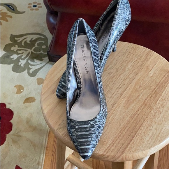 Rampage Shoes - Snake print pumps